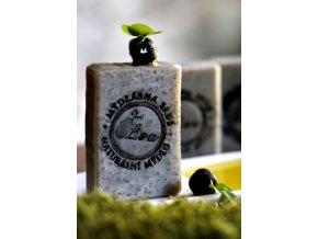 cerna oliva mydlo